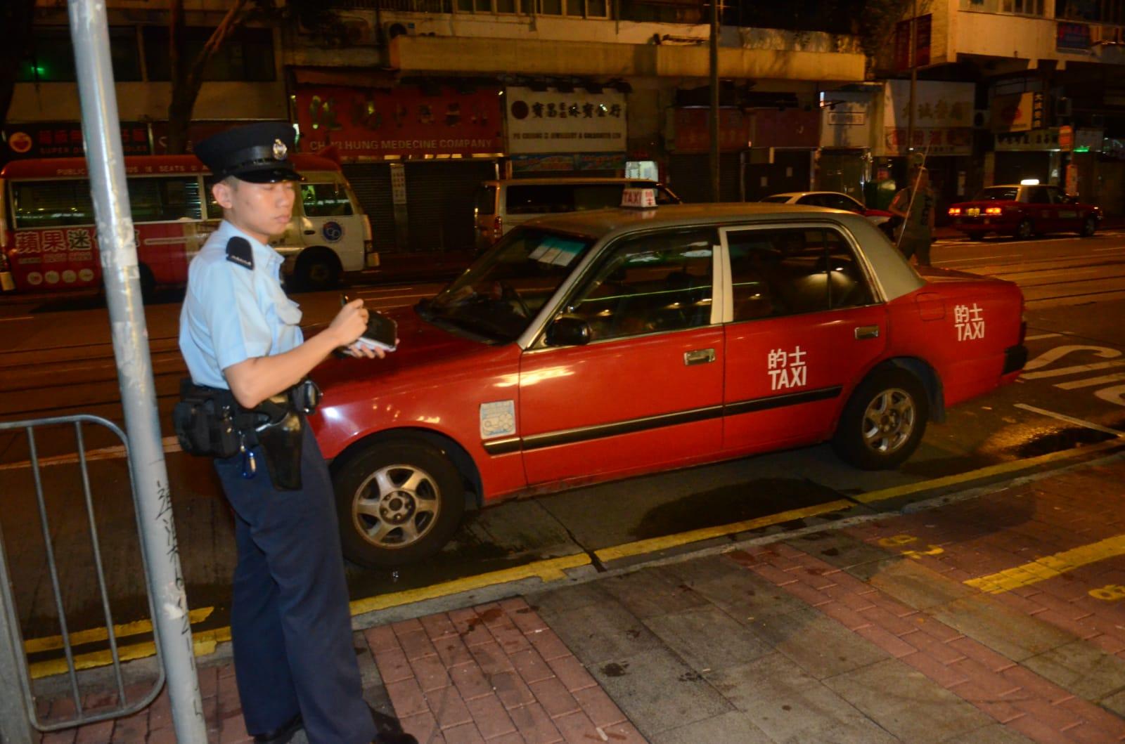 警方追緝兩名賊人。