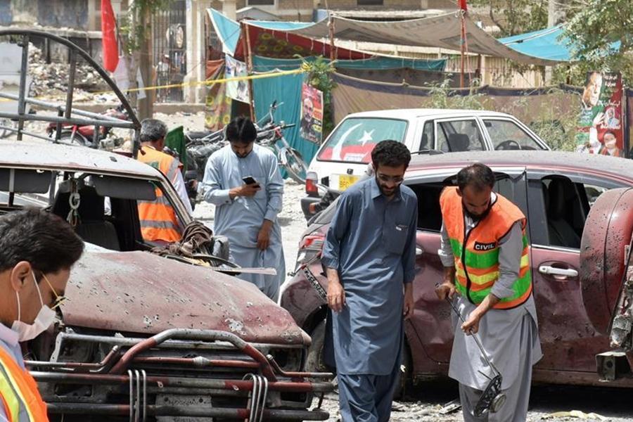 巴基斯坦西南部奎达市今日清晨一处露天市场发生爆炸。 网上图片