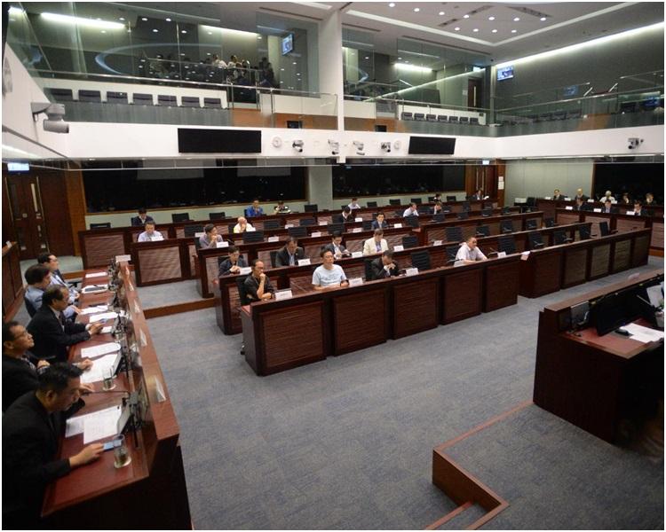 立法會發展事務委員會今早舉行公聽會。