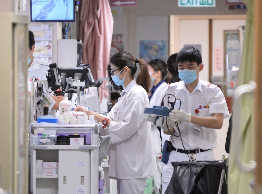 陈达晋指,公立医院前线医护人员,正面对人手不足及恶劣的工作环境。资料图片