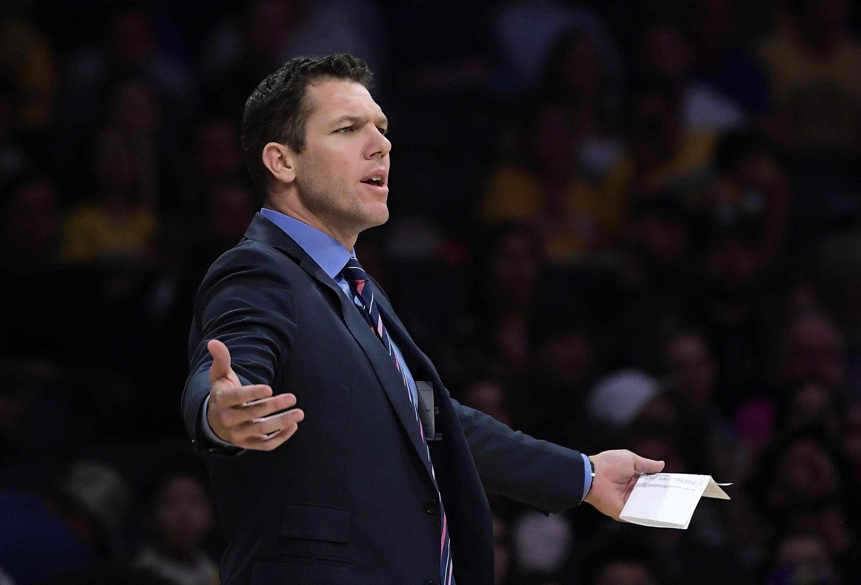 禾頓執教湖人三季未嘗躋身季後賽。AP