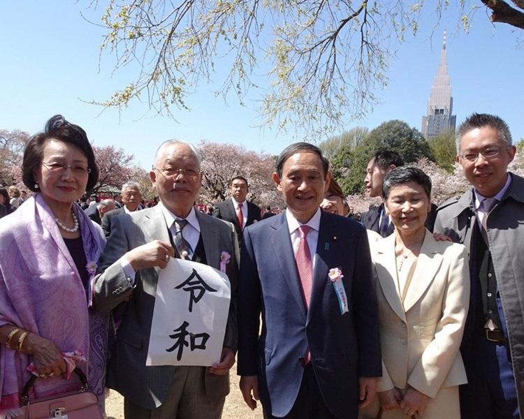 菅义伟亦大受欢迎。网图