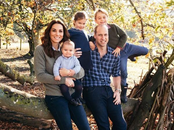 威廉王子一家五口全家福,畫面溫馨。fb