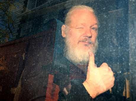 阿桑奇获厄瓜多尔驻英国大使馆庇护多年,在使馆撤销对他的庇护后,他于本月11日遭英国警方逮捕及拘押。