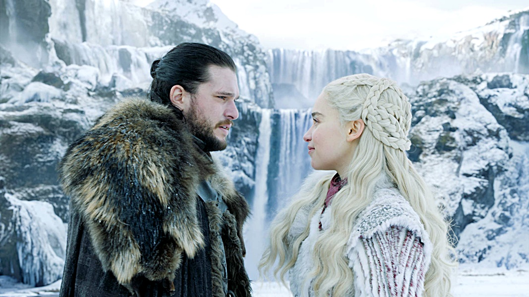 Jon與龍母原來是姑侄關係。