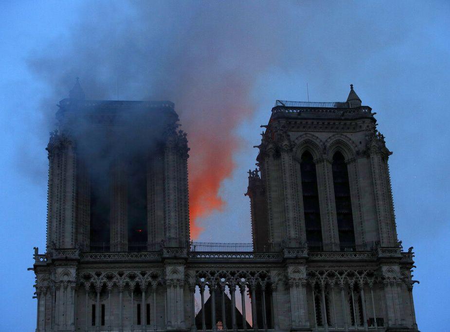 巴黎圣母院发生大火震惊全球,各国领袖深表关注。