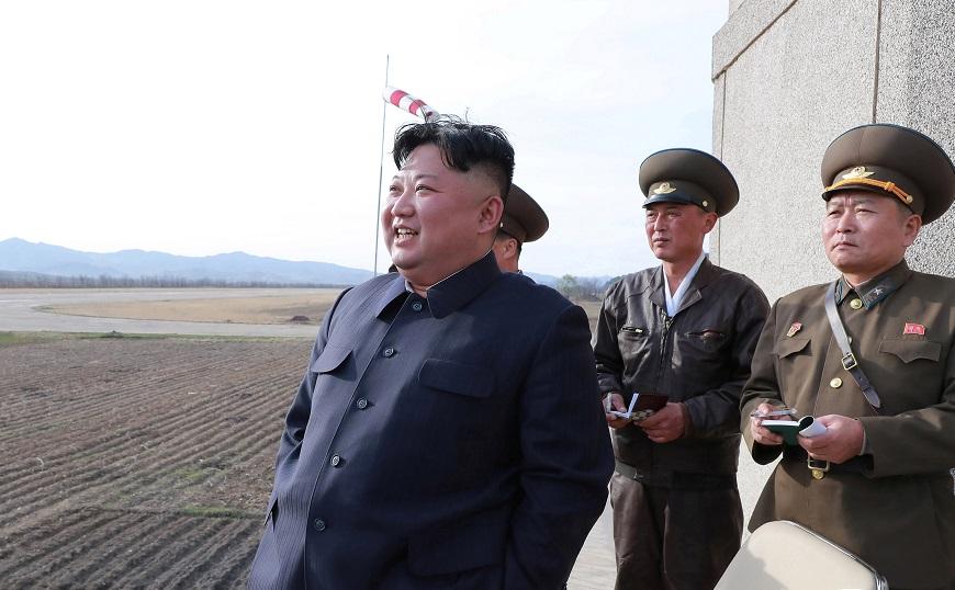 金正恩监督新式战术武器试验。