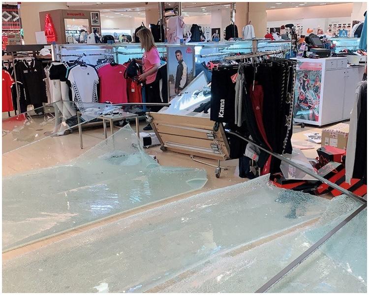 遠東百貨花蓮店有玻璃被震破。網圖