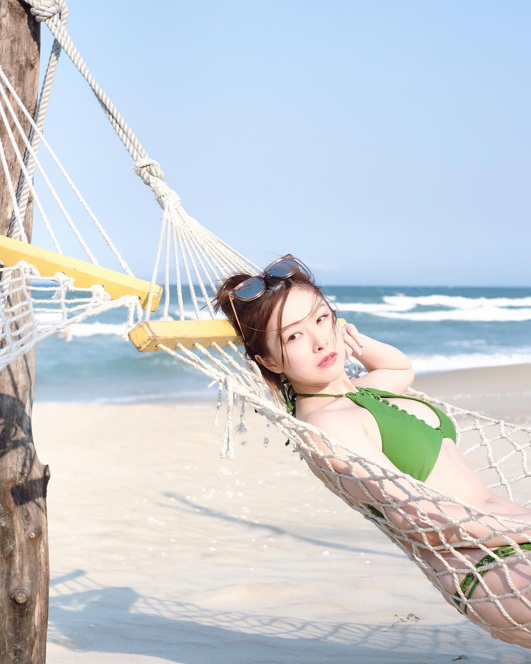樂瞳為慶祝IG Followers衝破22萬,派福利貼水着照。 樂瞳IG照片