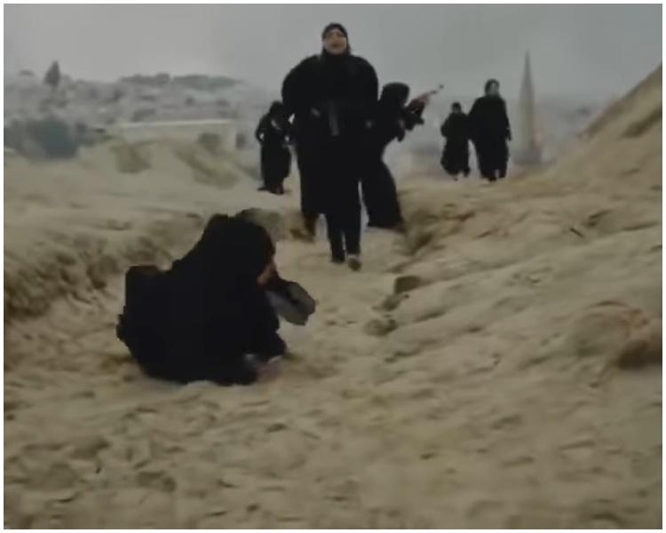 影片還有2段疑似和非洲和中東地區動亂有關的故事。網圖