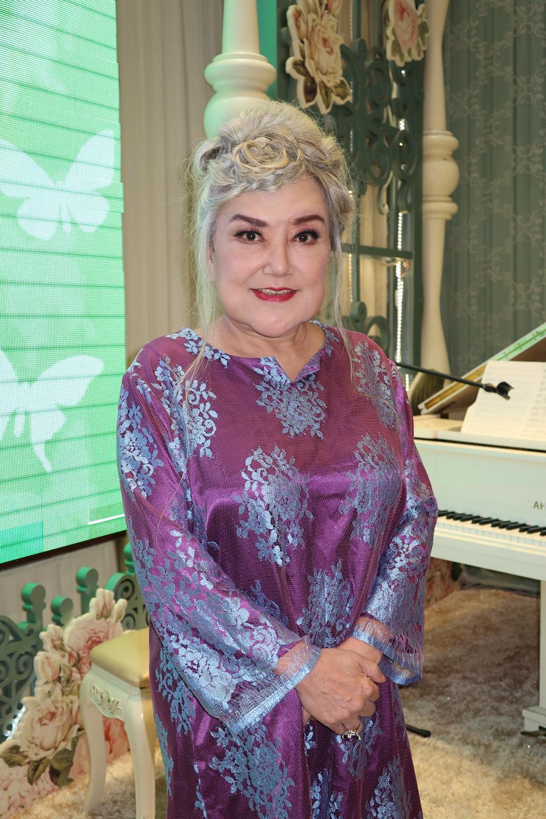 邵音音聯絡到沈威在新加坡的女兒,簽授權書給沈威在北京的經理人同意拔喉。