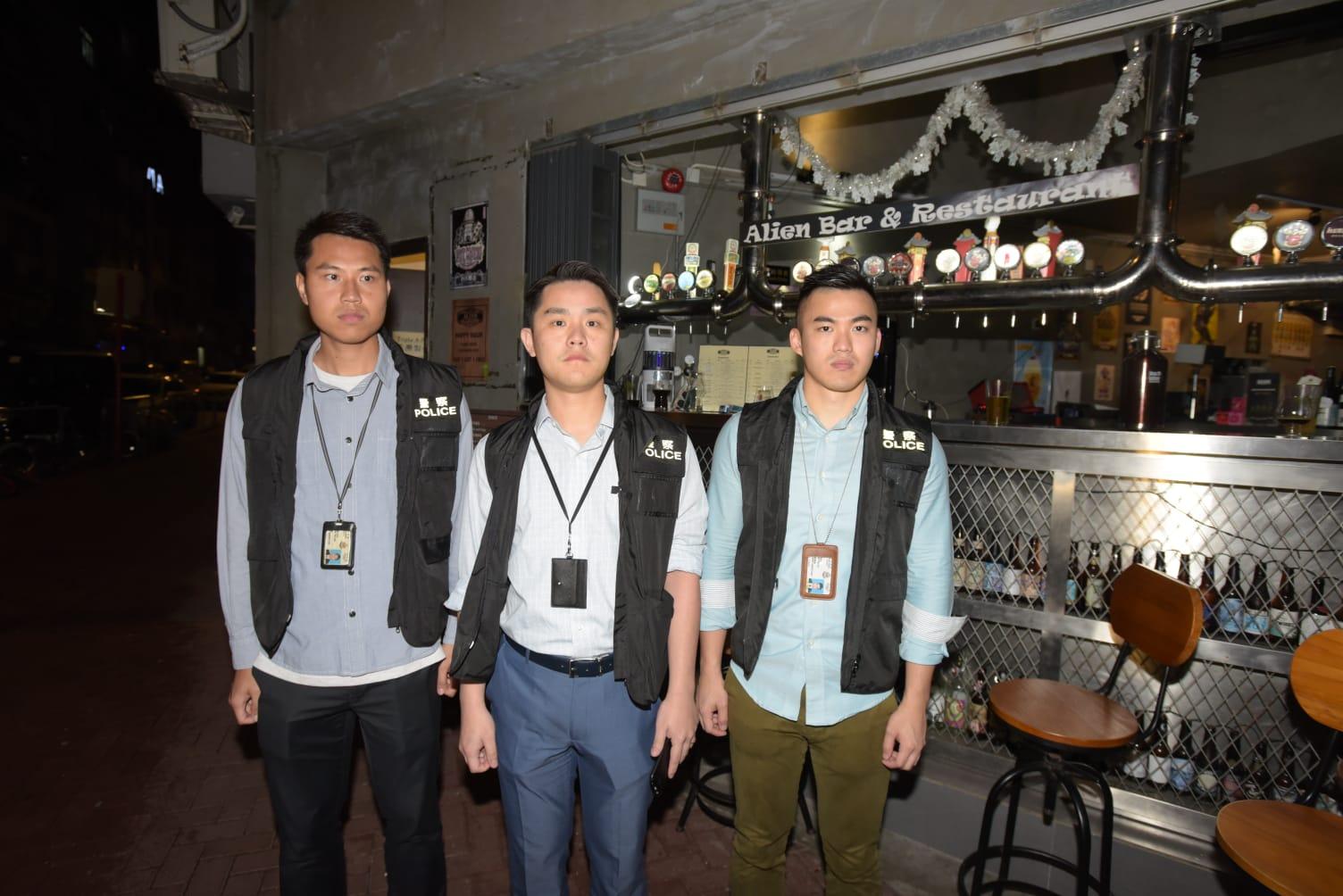 警员于大埔仁兴街一间酒吧检获共约80克怀疑大麻。