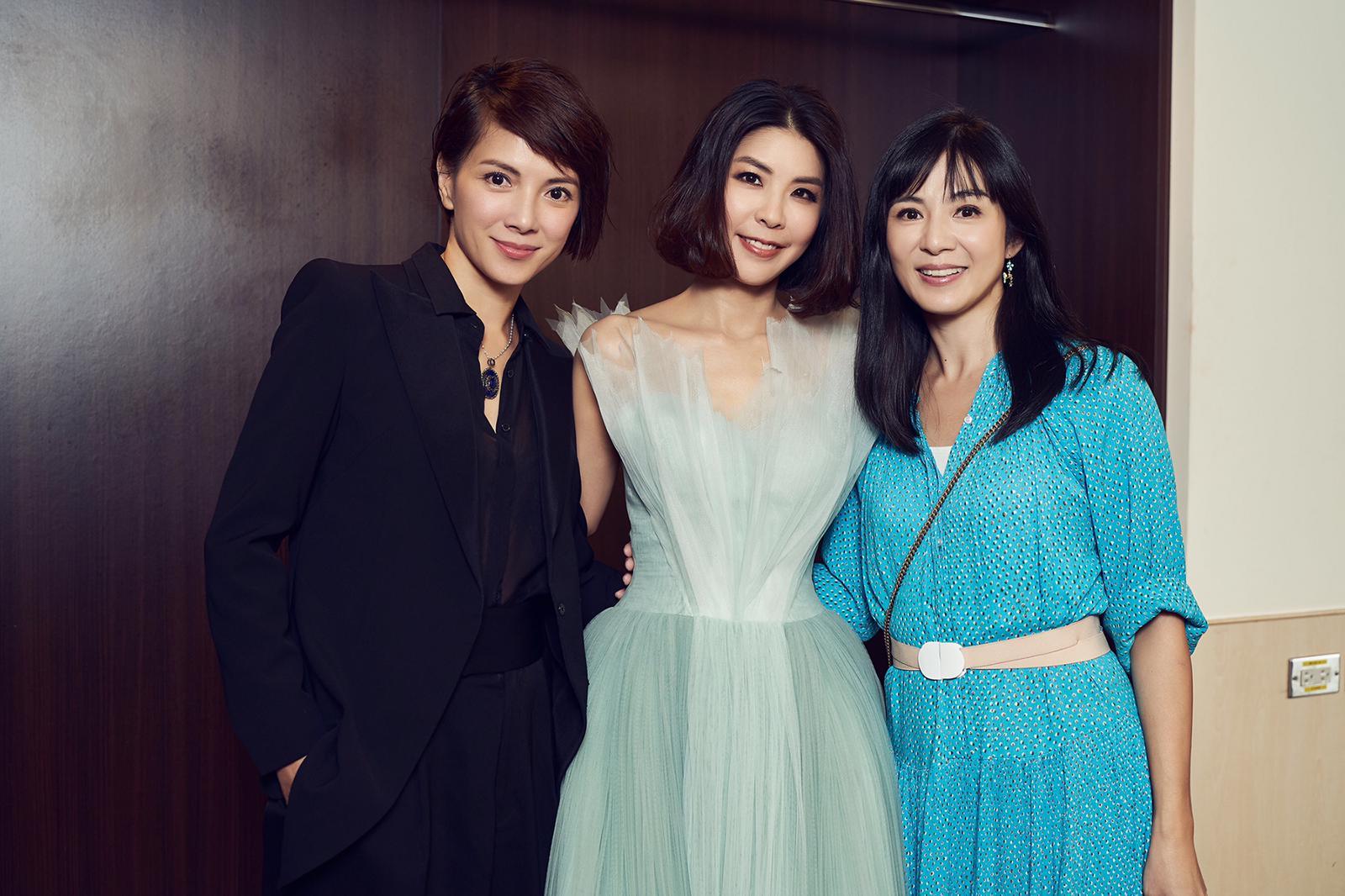 楊采妮和李心潔專程飛到台灣支持琇琇,笑言為了她而拋夫棄子,各自放下雙胞胎兒子來撐好姊妹。