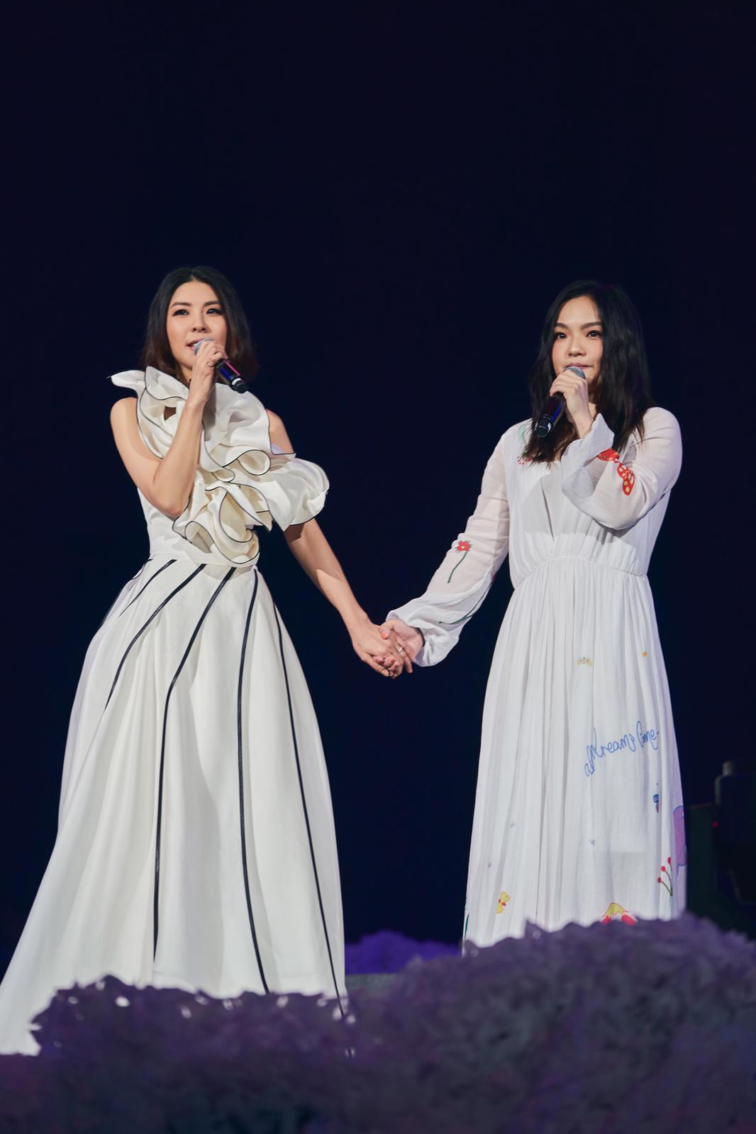 金曲歌后徐佳瑩(右)擔任嘉賓。