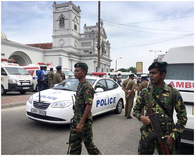 至少3间教堂及3间酒店共6处地点发生连环爆炸。