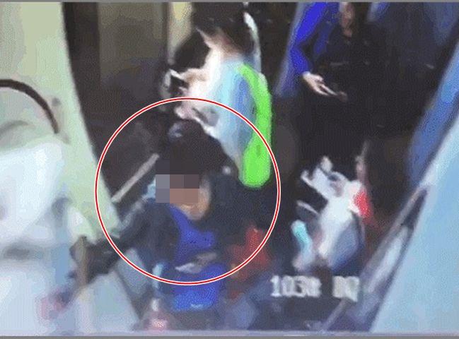 涉事女子事後被公安機關依法拘留。網圖