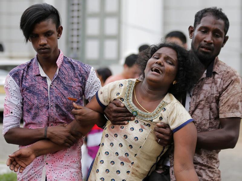 死伤者家属情绪激动。图片
