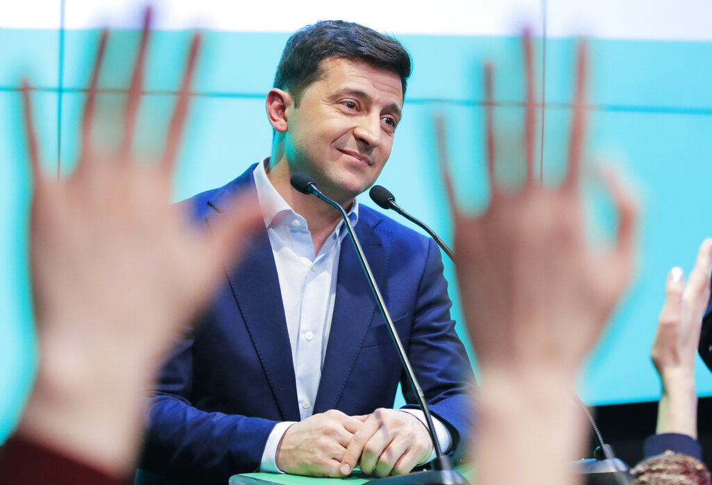 喜剧演员泽连斯基获得逾7成选票,当选总统。图片