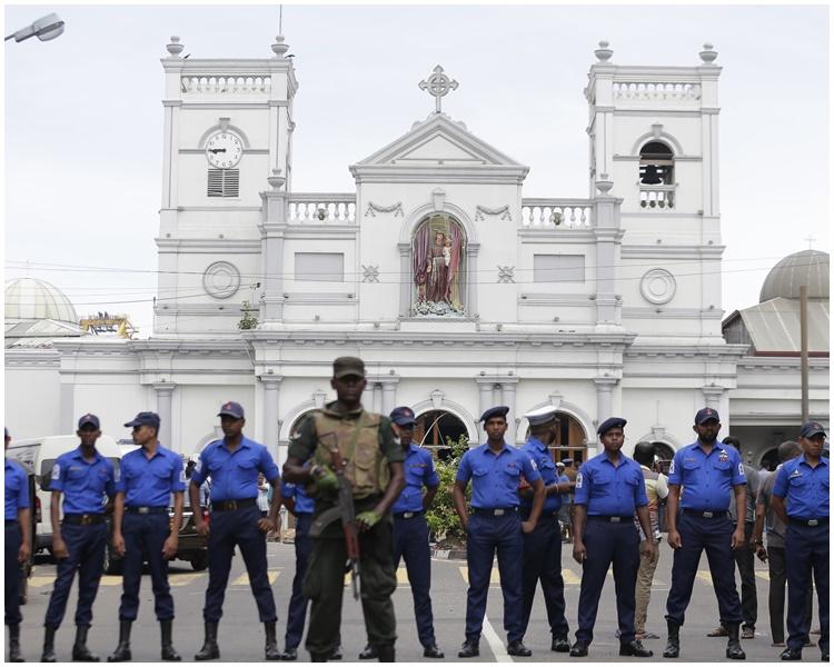 斯里兰卡昨日有多间教堂遭炸弹袭击。AP