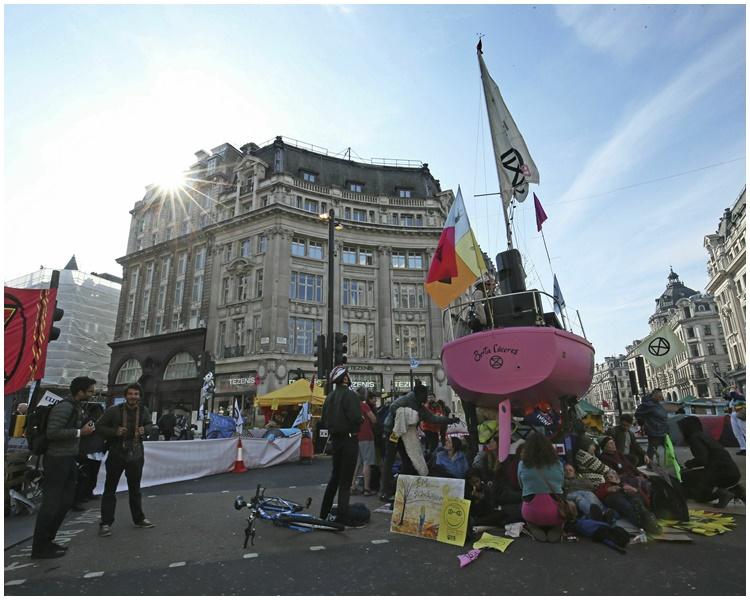 伦敦有气候变化示威。