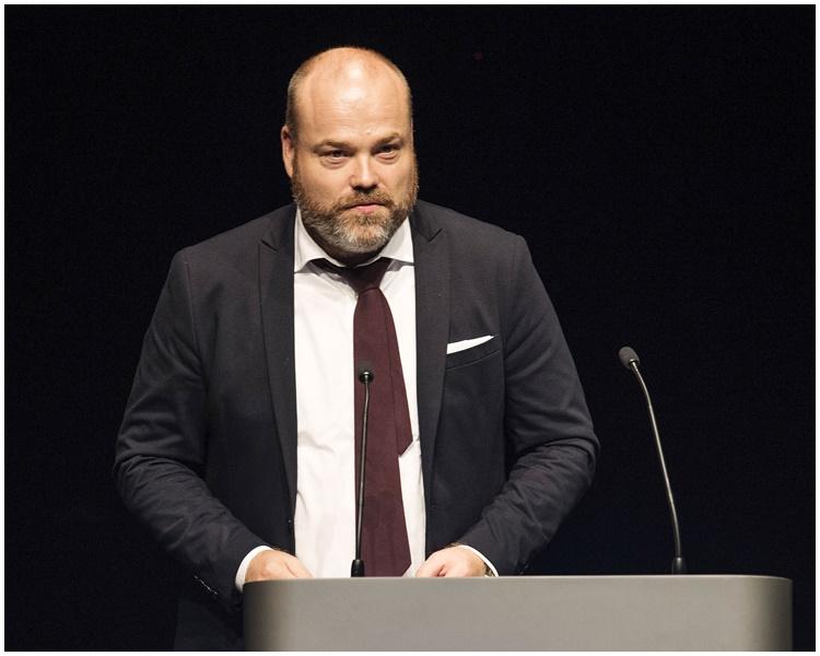 波尔森(Anders Holch Povlsen)。