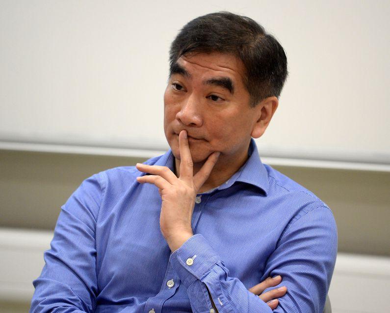 鍾國斌表明不同意繞過委員會直交大會。資料圖片
