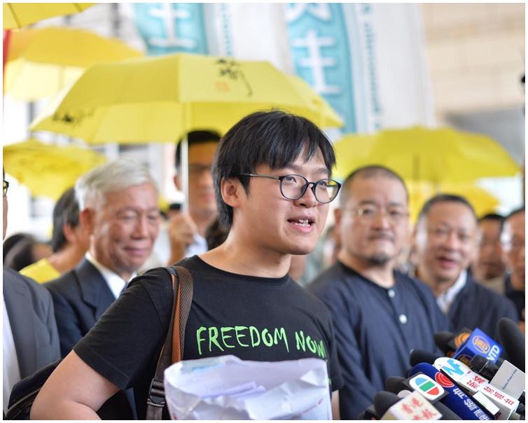 張秀賢的代表大律師請求法官考慮以感化令加社會服務令。