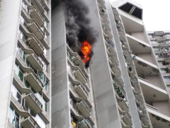 现场火势猛烈。 沙田区民建联区议员李世荣提供图片