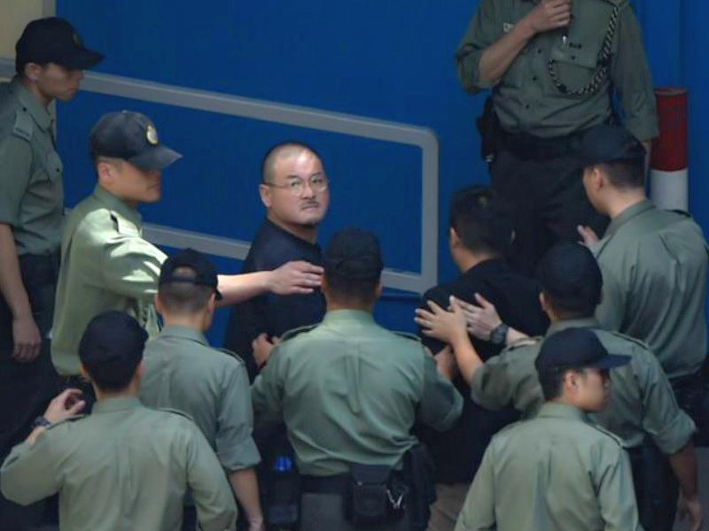 立法會議員邵家臻由囚車送往荔枝角收押所。