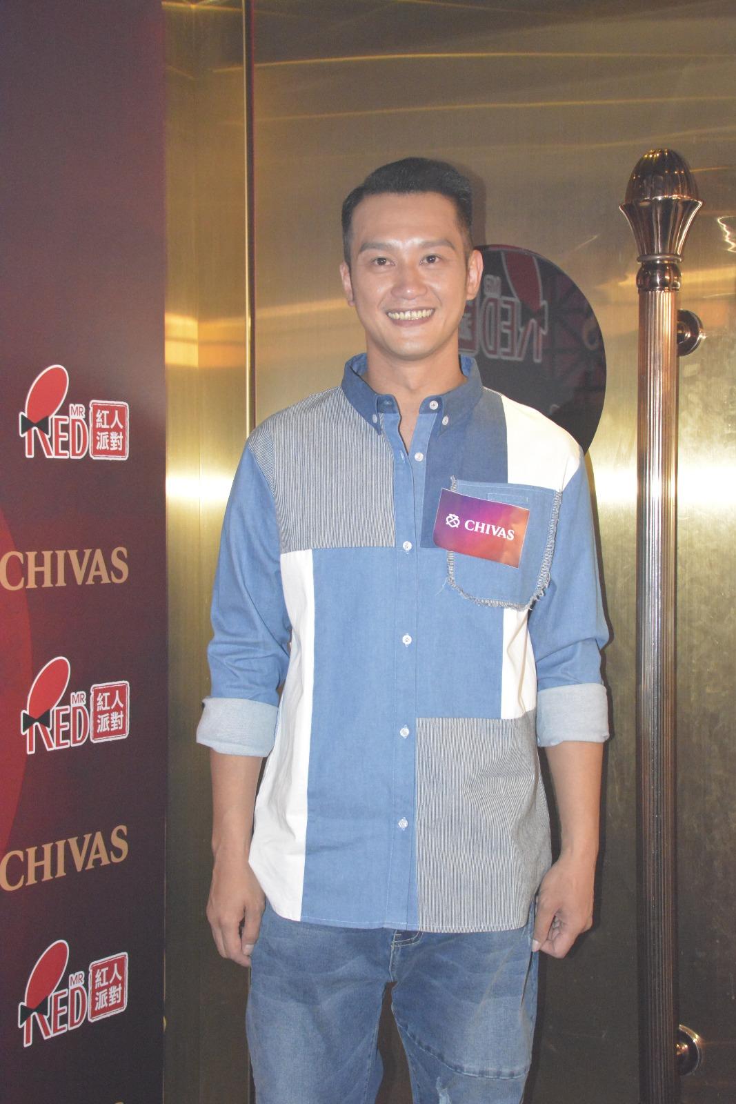 吳浩康昨晚以表演嘉賓身分,出席「芝華士明星藍球慈善賽賽後派對」。