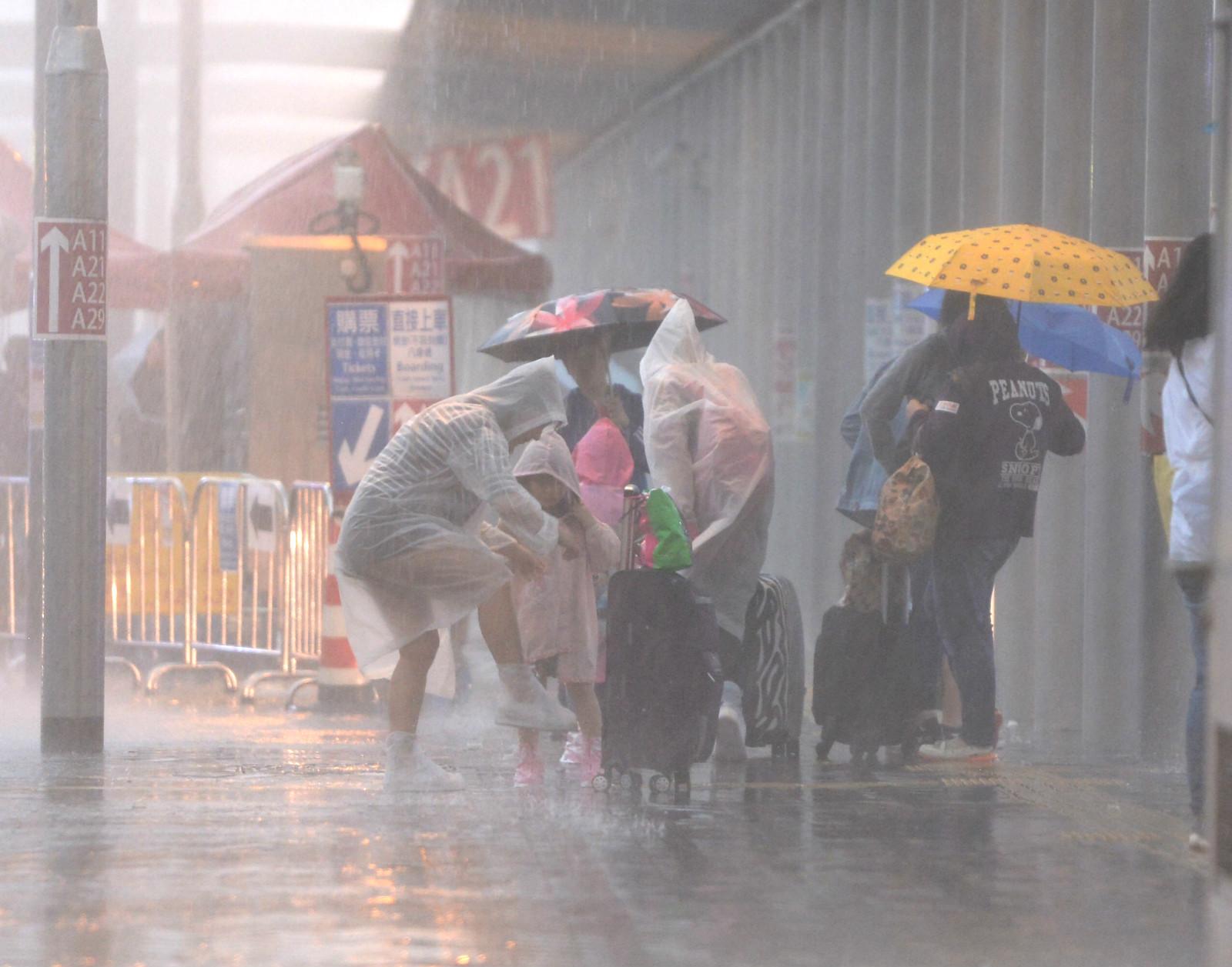 周五起驟雨增多。資料圖片