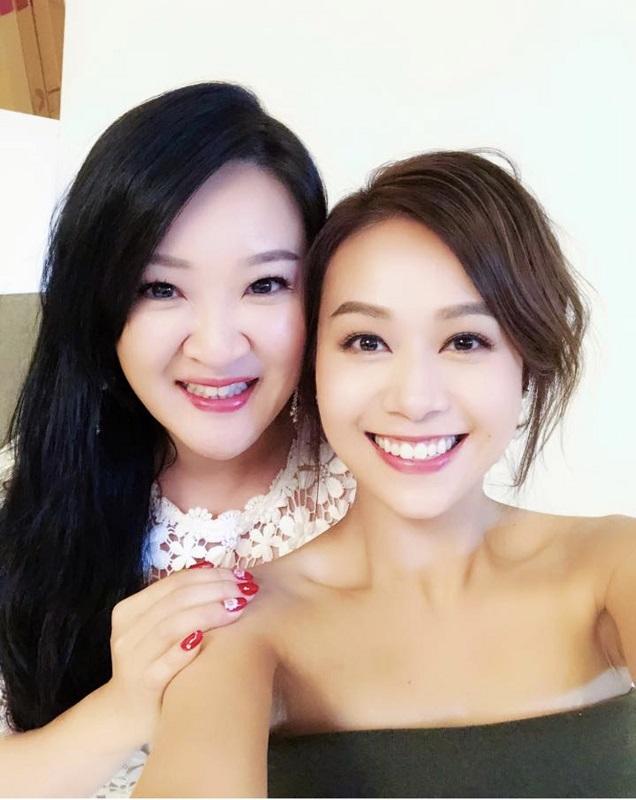 劉翁老婆(左)跟心穎亦是好朋友。資料圖片
