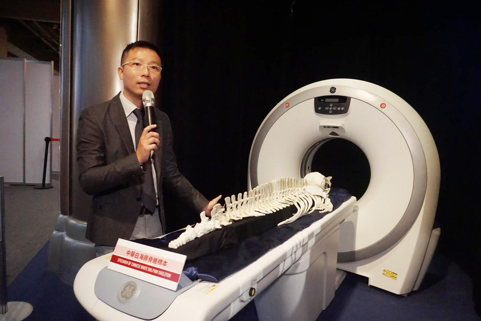 葛展榮指,先進行影像解剖再進行傳統解剖,能大幅增加死因確認率,至五成。袁嘉詠攝