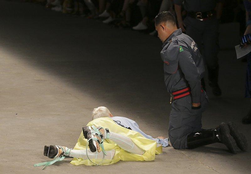 26歲模特兒Tales Soares昏迷不治。AP