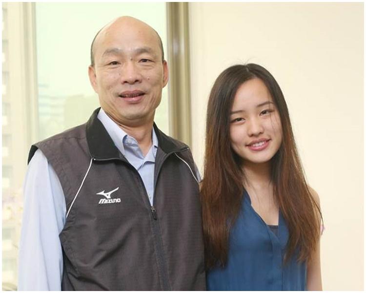 傳韓冰(右)勸進韓國瑜參選。網圖