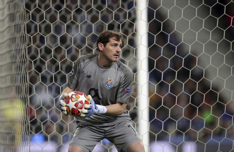 现时效力葡萄牙球会波图的卡斯拿斯,曾效力皇家马德里16年,并出任过队长。