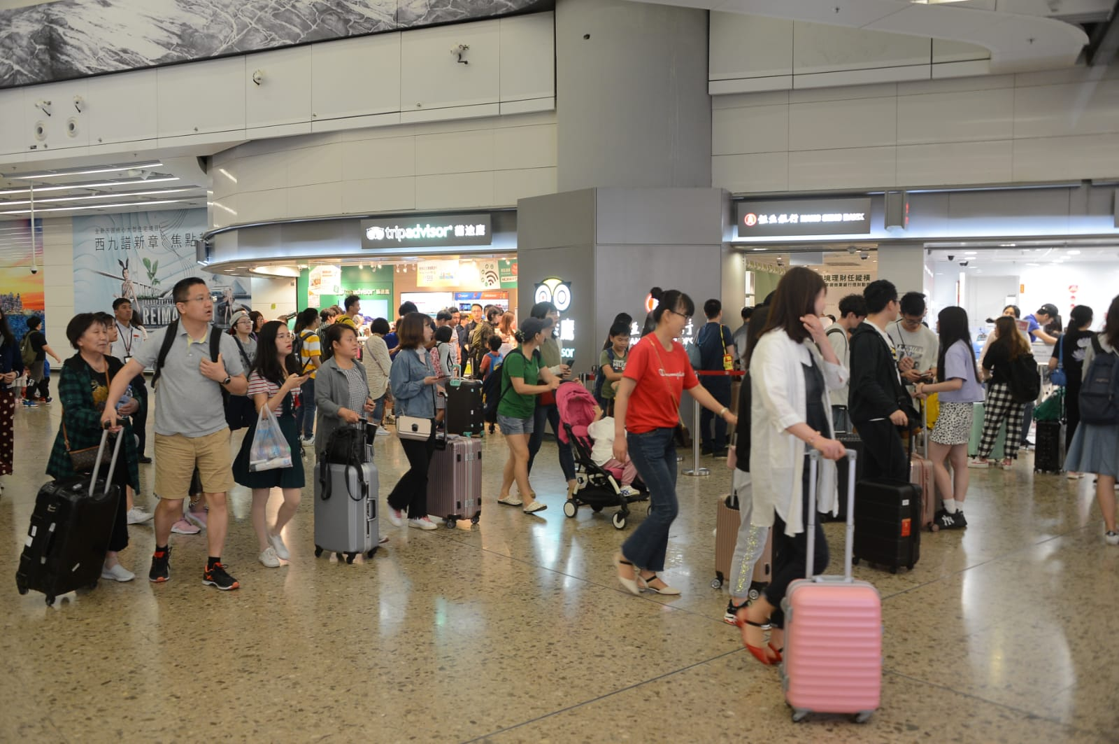 今晚所有開往廣州南的高鐵列車車票已售罄。