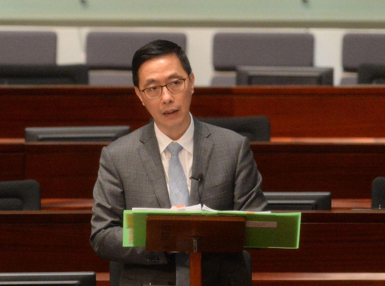楊潤雄指,會仔細研究議員提出的草案,但認為立法不能解決所有問題。資料圖片