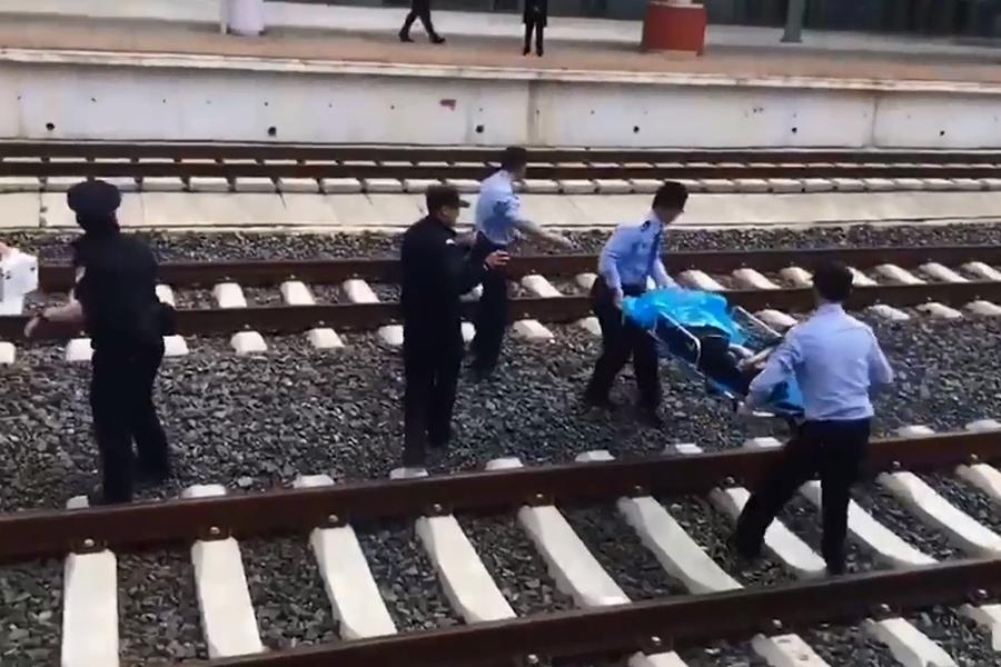 雲南16歲少女遭動車碾壓肢體斷裂。網上圖片