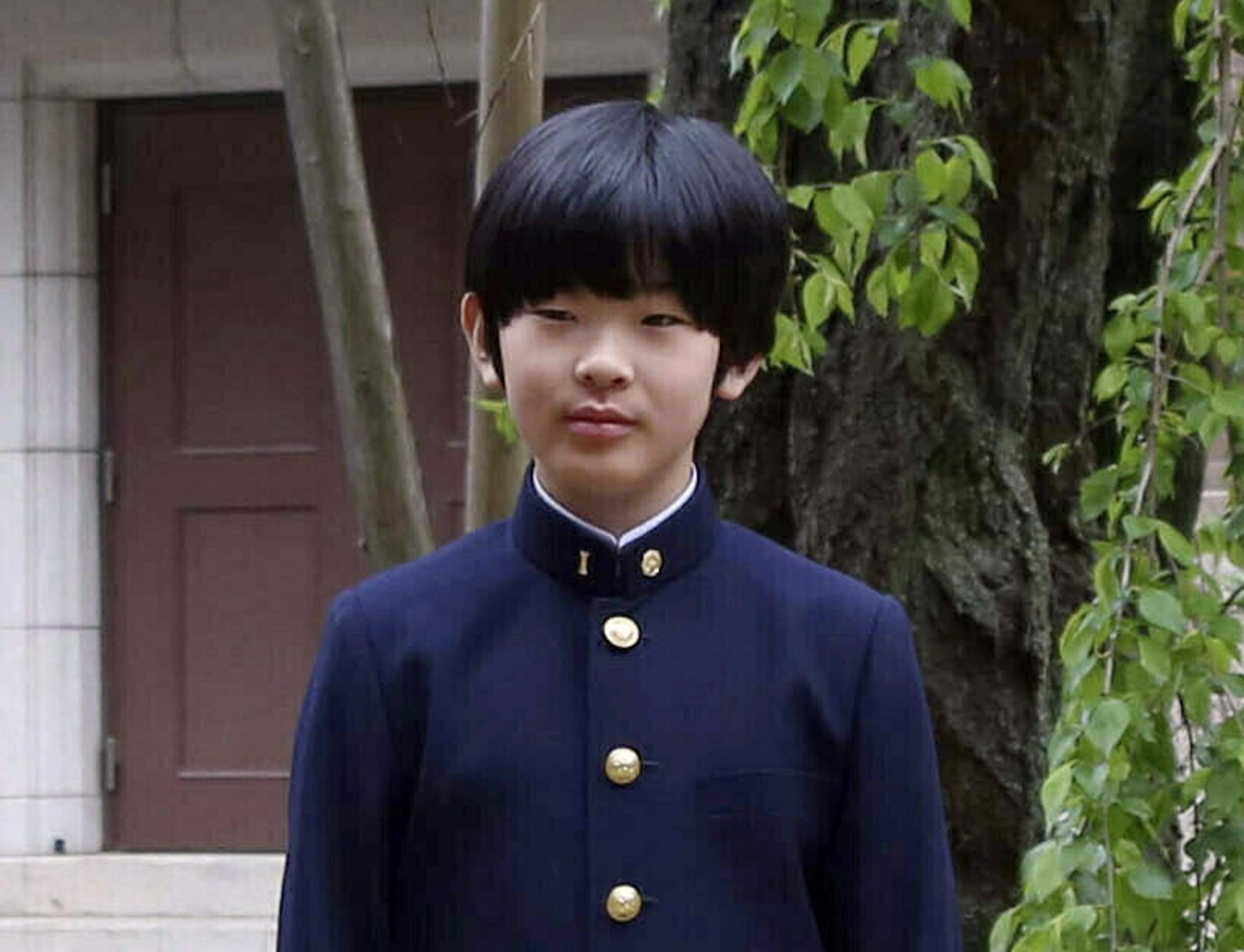 当时悠仁正在上体育课。 图片