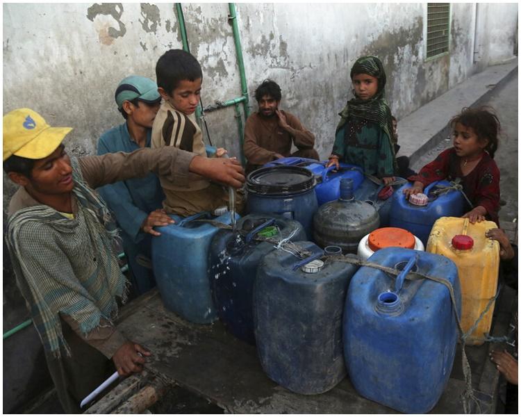 阿富汗戰亂造成大量難民。AP
