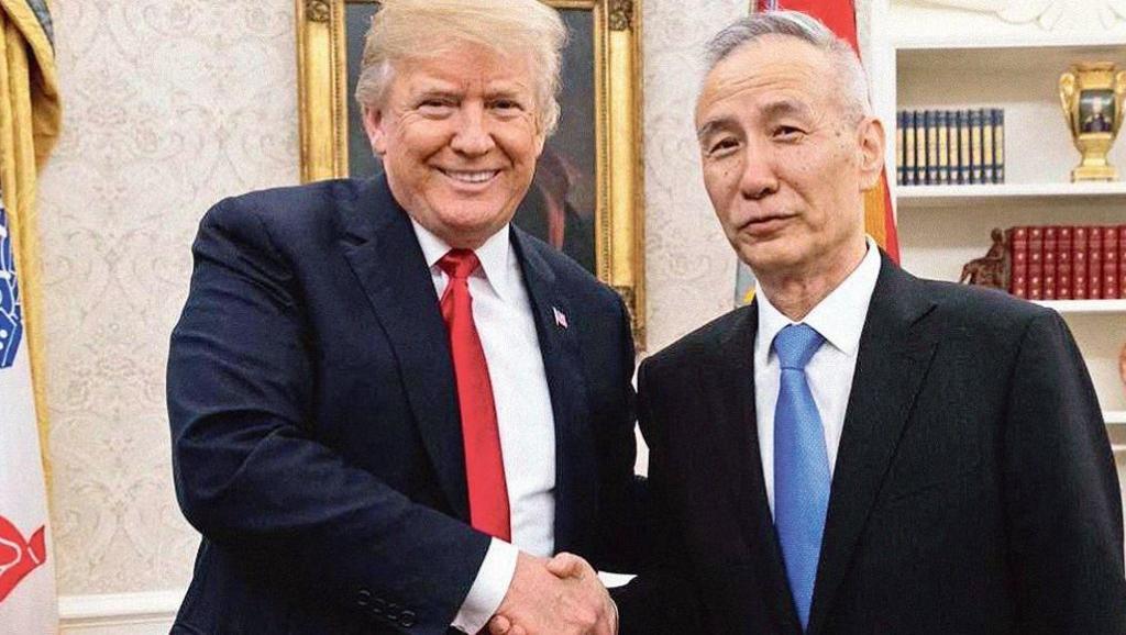 劉鶴(右)率領的中方代表團已啟程前往美國華盛頓。網上圖片