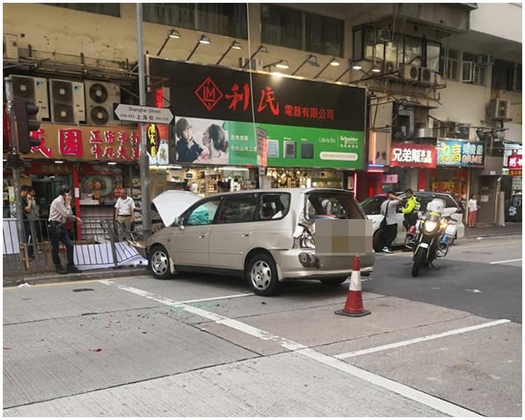 車尾亦損毀。Michael Chan 「香港突發事故報料區 」FB