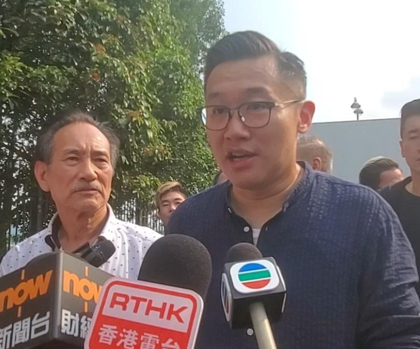 鮮肉大聯盟理事凌偉業(右);豬肉行總商會理事長許偉堅(左)