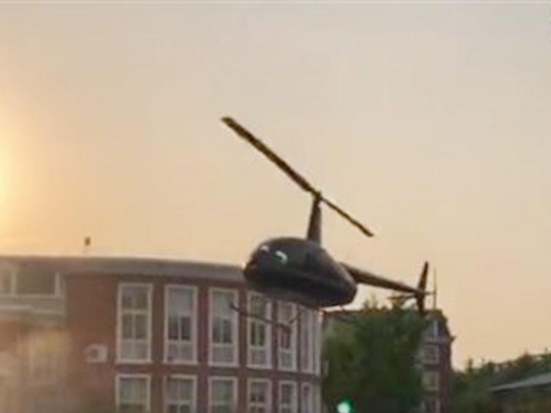 家長解釋此舉是為了讓學生有機會親身接觸直升機。微博圖片
