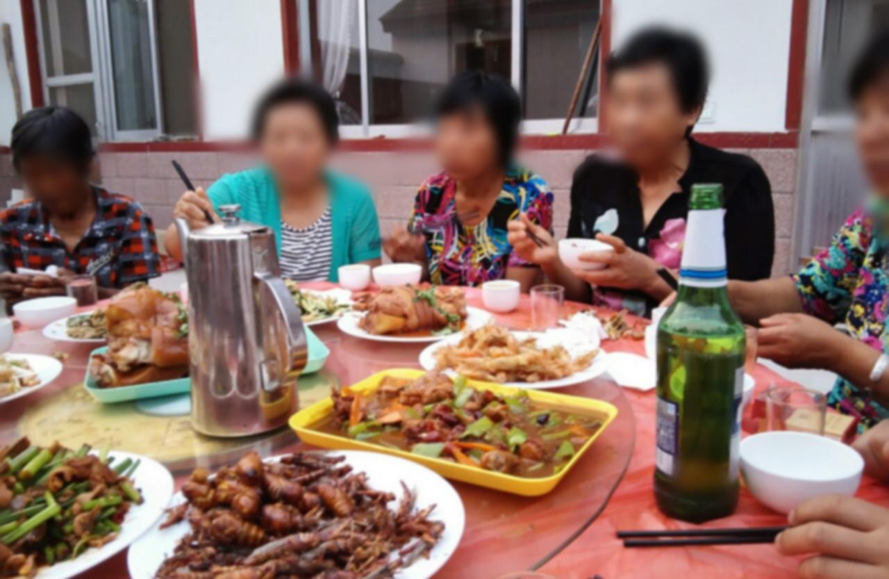 河南有村民辦白事聚餐後食物中毒。網上示意圖片