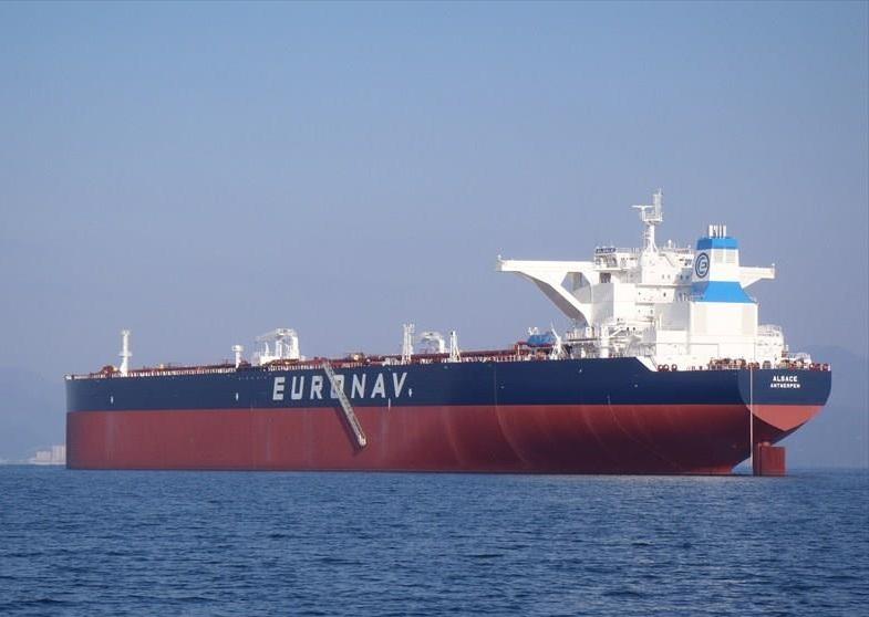 超級油輪Alsace全速前進青島港口。網上圖片