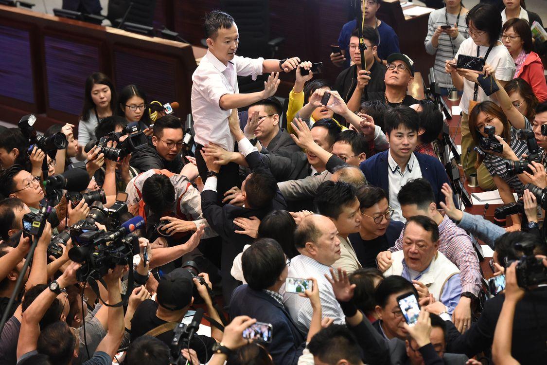 立法會審議修訂《逃犯條例》的法案委員會,上周六爆發衝突。資料圖片