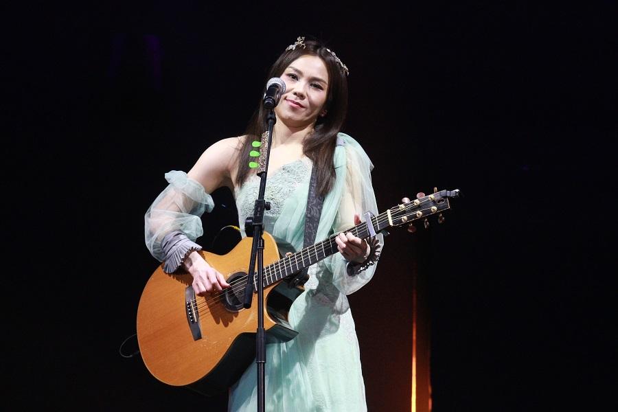 Tanya向歌迷和工作人員道歉。資料圖片