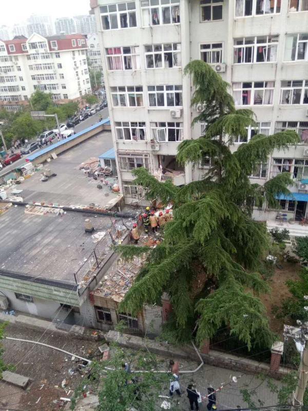 青島市市南區仙居路一住宅大樓發生爆炸。網上圖片